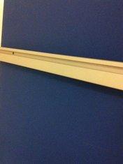 List till vägg eller bordsskärm 1000 mm lång